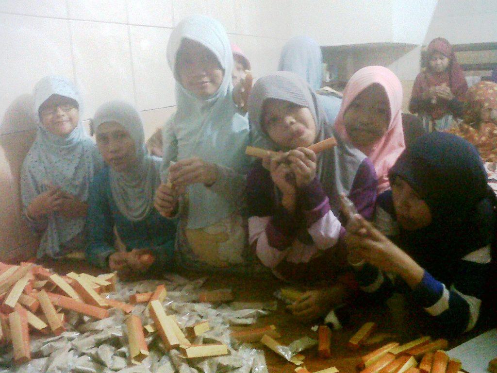 Workshop ke Pabrik Bandrek Hanjuang